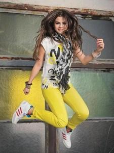 Nouvelle collection Adidas NEO Selena Gomez