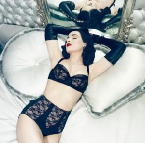 Dita Von Teese : nouvelle collection de lingerie Sheer Witchery