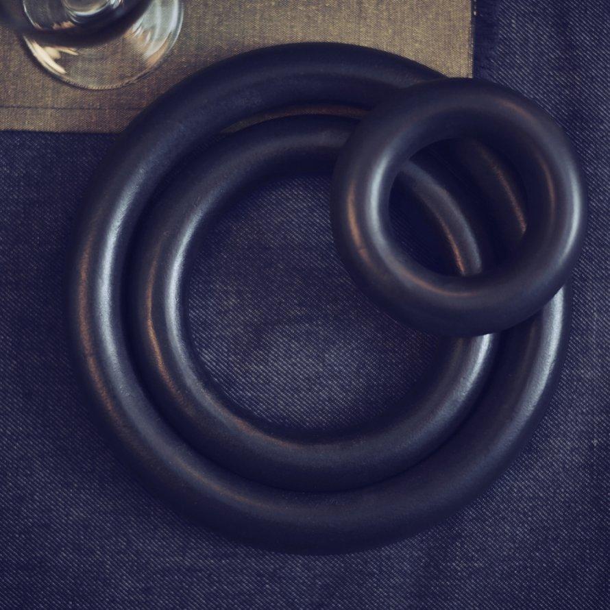 dessous-plat-noir-ikea-sittning
