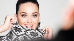 Katy Perry égérie des collections H&M de fin d'année