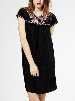 robe-broderies-ethniques-et-pompons--noir-femme-tw159_1_lpr1