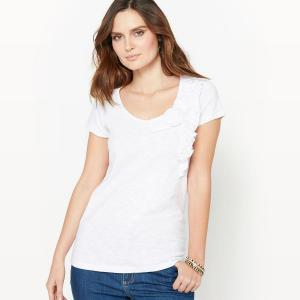 T-shirt, dentelle et volants. ANNE WEYBURN.