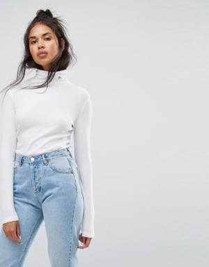 Calvin Klein Jeans – Top col roulé avec logo – Blanc