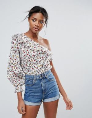 New Look – Top asymétrique à petites fleurs – Blanc