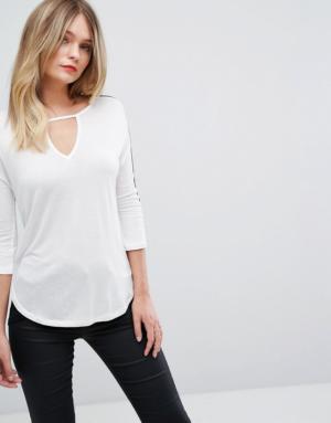 Sisley – Top en jersey à manches 3/4 et empiècements transparents – Crème