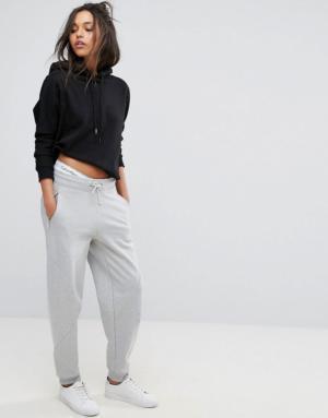 Calvin Klein Jeans – Pantalon de jogging avec logo – Gris