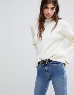 Vero Moda – Pull à manches évasées avec encolure montante – Crème