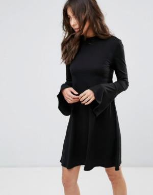 Only – Robe fluide avec manches cloche – Noir