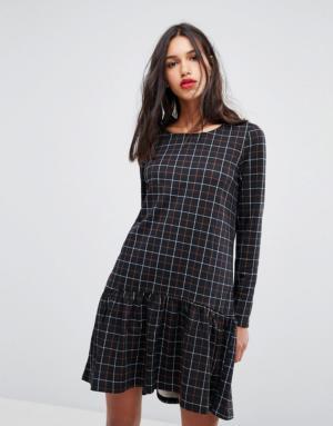 Vero Moda – Robe à ourlet volanté et imprimé à carreaux – Multi