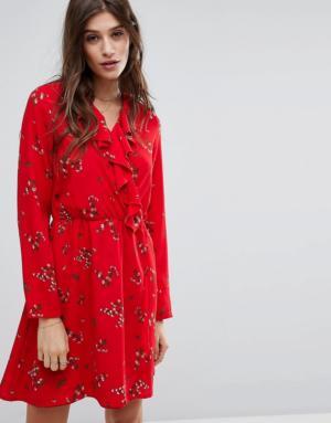 Vero Moda – Robe volantée à fleurs – Rouge